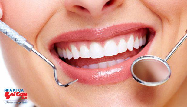 răng _sau_khi_trong_rang_implant